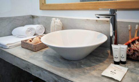 amani-home-mbili-bathroom-2-768x457