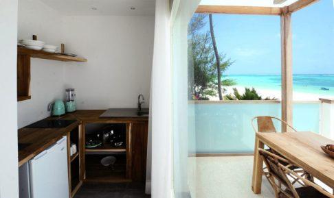 amani-home-mbili-kitchen-2-768x457